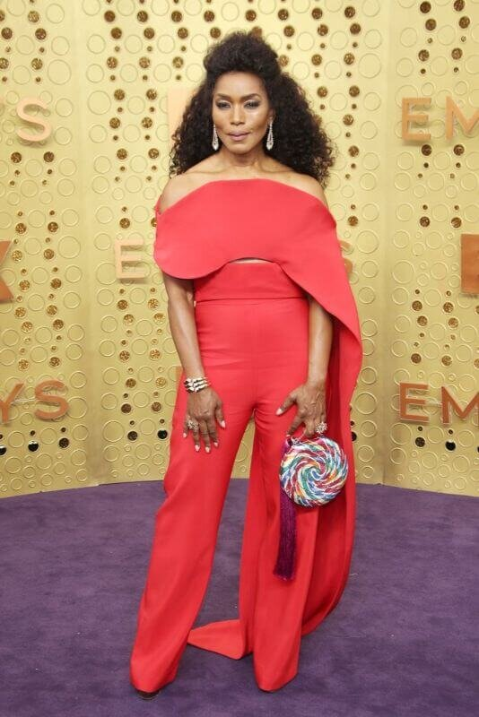 angela-bassett-emmys-red-carpet-534x800.jpg