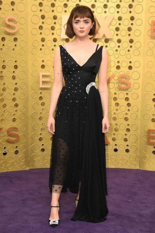 hbz-emmys-2019-best-dressed-maisie-williams-1569202672-534x800.jpg